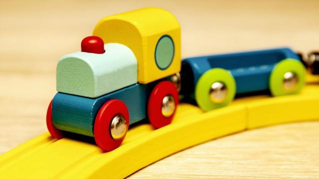 Die Duftstoffe Atranol, Chloratranol und Methylheptincarbonat dürfen nicht mehr in Kinderspielzeug enthalten sein. (Foto: Sauerlandpics / stock.adobe.com)