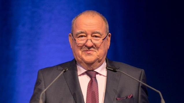 DAV-Chef Fritz Becker eröffnete die Expopharm 2017 und machte gegenüber der Politik und den Krankenkassen einen umfassenden Forderungskatalog auf. (Foto: DAZ / Schelbert)