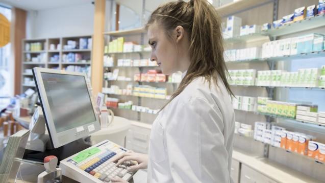 Gut für den Alltag: Arzneimittel im Mehrfachvertrieb, bei denen die Abgabe eines rabattierten Fertigarzneimittels nicht möglich ist, werden nun explizit dem importrelevanten Markt zugeordnet. (Foto: imago images / Westend61)
