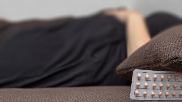 In der Packungsbeilage der Pille findet sich künftig ein Warnhinweis, dass hormonelle Kontrazeptiva mit Suizid als mögliche Folge einer Depression in Zusammenhang stehen können. (m / Foto: MarkusL / stock.adobe.com)