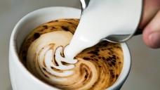 Milch im Kaffee ist für viele ein Muss.(Foto:mittelgrau / stock.adobe.com)