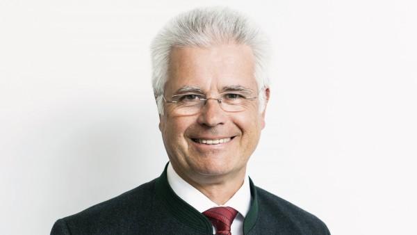 Benkert: Ziel ist Preisbindung auch für Privatversicherte