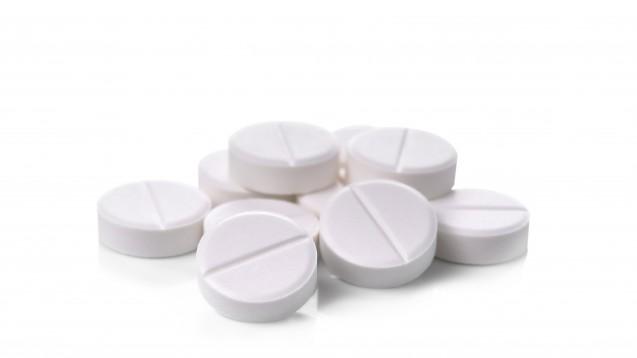 Durch den Erstattungsausschluss von Paracetamol (1000 mg) verschrieben die Allgemeinmediziner einem Viertel der Patienten ein anderes Schmerzmittel, und zwar am häufigsten Naproxen, Oxycodon und Tramadol. (Foto: watkung / adobe.stock.com)