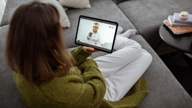Das Angebot ärztlicher Sprechstunden im Videoformat soll auf 30 Prozent begrenzt werden. (x / Foto: rh2010 / StockAdobe)