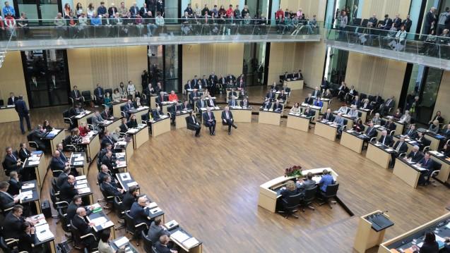 Glücklich sind die Ländervertreter nicht, sie stimmten aber zu: Der Bundesrat billigte das Antikorruptionsgesetz. (Foto: Bundesrat / Frank Bräuer)