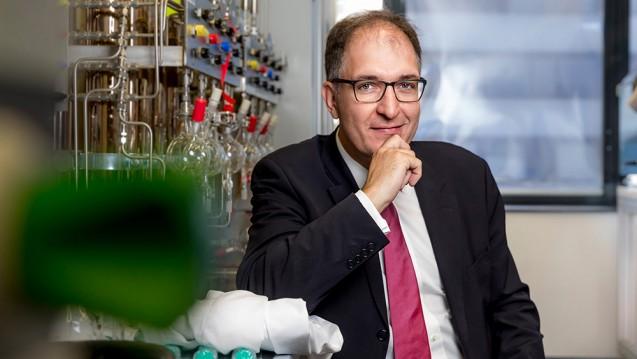 """Professor Peter Seeberger, Direktor der Abteilung Biomaterialien am Max-Planck-Institut für Kolloid- und Grenzflächenforschung in Potsdam, wurde mit dem Preis für """"bezahlbare grüne Chemie"""" ausgezeichnet. (x / Foto: Max-Planck-Institut für Kolloid- und Grenzflächenforschung, Martin Jehnichen)"""