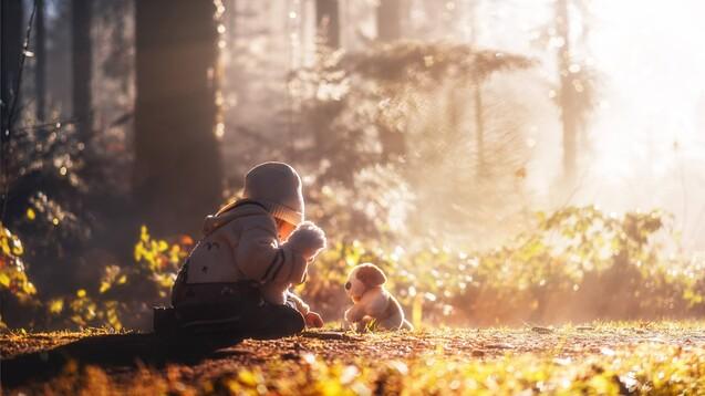 Den Studienautoren zufolge sollte sowohl im Kindergarten als auch in der Schule ein vermehrter Aufenthalt der Kinder im Freien gefördert werden. Dies führt nicht nur zu einer vermehrten Exposition mit Sonnenstrahlung, sondern beugt gleichzeitig auch Übergewicht bei Kindern und Jugendlichen vor. (s / Foto: imhof79ch / AdobeStock)