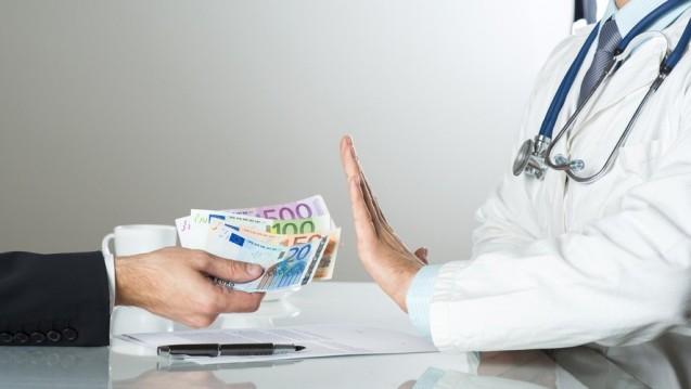 Korruption im Gesundheitswesen wird strafbar. (Foto: Halfpoint/ Fotolia)