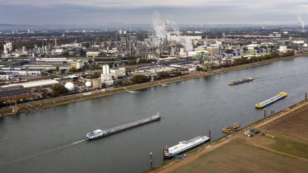 Aus BASF-Anlage fließen 300 Kilogramm Imidazol in den Rhein