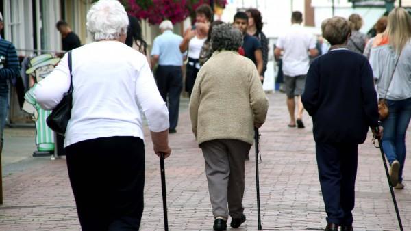 Hessen: 16.126 ältere Menschen ohne Apotheke in der Gemeinde