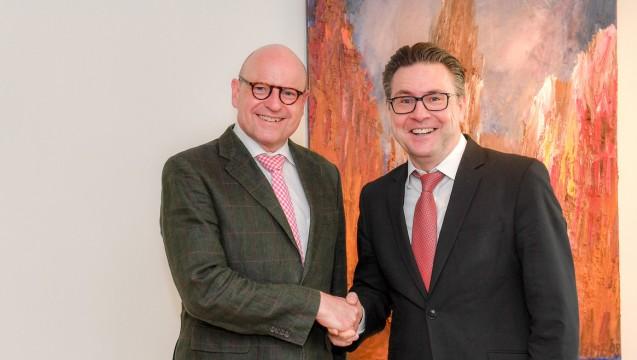 Von links: Markus Lewe und Hans-Jürgen Simacher. Foto: (AVWL)