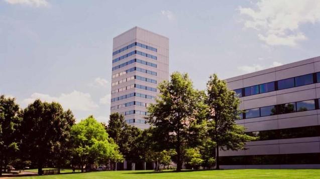 J&J-Zentrale in New Brunswick, US-Bundesstaat New Jersey: Der Konzernumsatz nimmt nicht mehr so stark ab wie zuvor. (Foto: J & J)