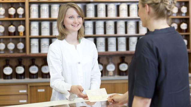 """Muss ein """"A"""" auf das Rezept? Fall ja, muss die Apotheke das vor der Abgabe korrigieren. (Foto. Schelbert / DAZ)"""