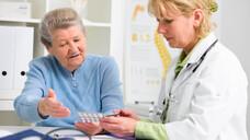 Welche Arzneimittel sind im Alter vorteilhaft oder sollten vermieden werden? (s / Foto: Alexander Raths / AdobeStock)