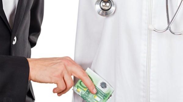 Maas: Korruption verusacht hohe Kosten