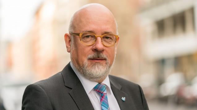 Dr. Dirk Heinrich ist Vorsitzender des Virchowbunds, der als freier Verband die Interessen der niedergelassenen Ärzte vertritt. (s / Foto: Lopata / axentis)
