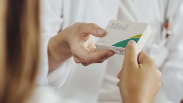 Dispensierende Ärzte verursachen Millionen-Mehrausgaben