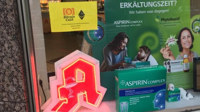 Zahlen mit Kryptowährung. In der Neon-Apotheke in Düsseldorf ist das nun möglich (Foto: Neon-Apotheke)