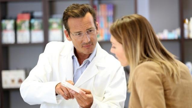 Patienten setzen bei der Arzneimittel-Beratung überwiegend auf ihren Arzt oder Apotheker. (Foto:goodluz / Fotolia)