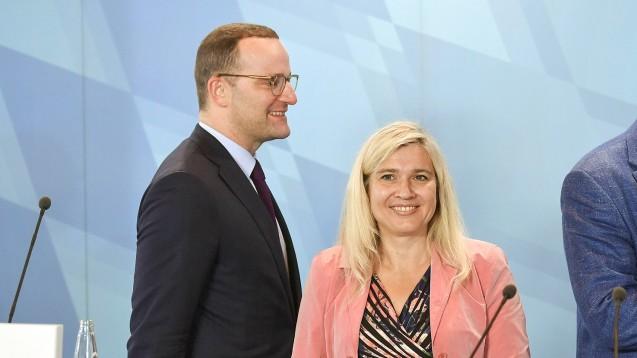 Melanie Huml (CSU) will ihr weiteres Vorgehen bezüglich Jens Spahns Vorschlägen vom Votum der Apotheker abhängig machen.(Foto: imago)