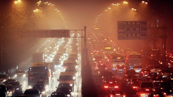 Smog schnürt Menschen in Peking und Delhi die Luft ab