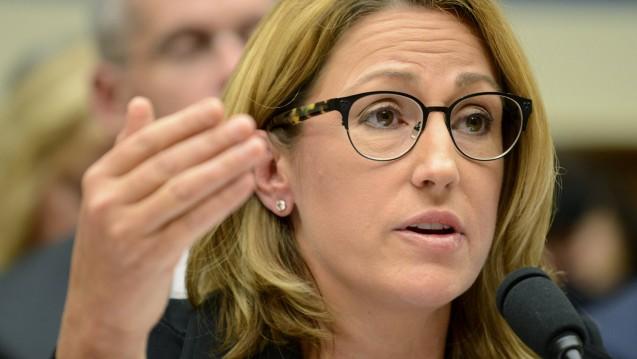 Mylan-CEO Heather Bresch stellt derzeit die Strategie ihres Konzerns für die USA um, weil die Umsätze des Pharmakonzerns in Nordamerika derzeit einbrechen. ( r / Foto: Imago)