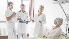 Niedersachsen will für mehr Patientensicherheit in Kliniken sorgen. Stationsapotheker sind künftig Pflicht für Krankenhäuser. j / Foto: Imago)