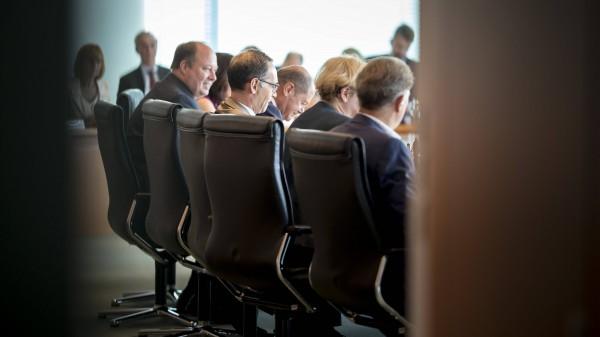 Bundesregierung will längere PTA-Ausbildungsdauer prüfen