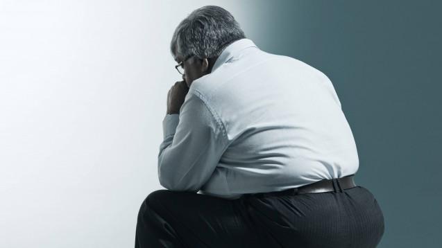 Eine große Datenanalyse aus Großbritannien zeigt, dass insbesondere ältere, vorerkrankte, männliche und fettleibige Patienten einen schweren COVID-19-Verlauf durchmachen. (x/Foto: imago images / indiapicture)