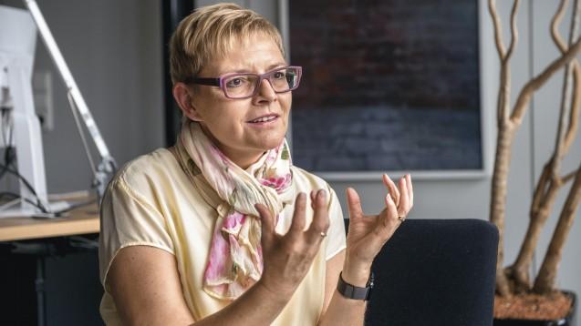 Sabine Dittmar, gesundheitspolitische Sprecherin der SPD-Bundestagsfraktion, findet es richtig, dass die Lieferungen von Schutzmasken zuerst in anderen Berufsgruppen ankommen und danach die Apotheker beliefert werden. (c / Foto: Külker)