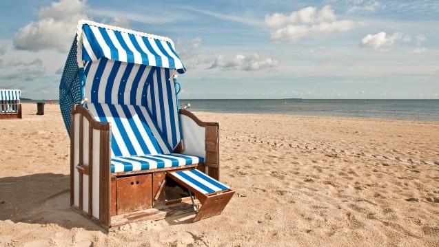 Getrübte Strandidylle: Mit steigenden Wassertemperaturen steigt die Gefahr für das Auftreten von Vibrionen-Infektionen. (Foto:UsedomCards.de / Fotolia)
