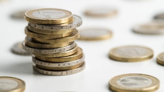 Große Unterschiede beim Mindestlohn: Apotheker und Großhändler müssen seit Jahresbeginn einen höheren Mindestlohn zahlen. Laut Hans-Böckler-Stiftung liegen aber noch einige westeuropäische EU-Länder über dem Lohnniveau in Deutschland. (Foto: Fotogreber / Fotolia)