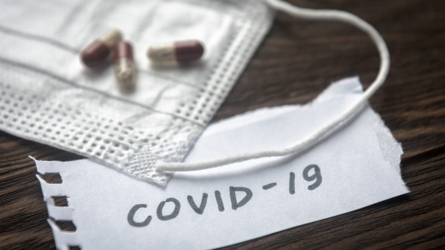 Der Arzneimitteleinsatz rund um COVID-19 ist bislang kaum erforscht, umso wichtiger sind Nebenwirkungsmeldungen. ( r / Foto: scaliger / stock.adobe.com)