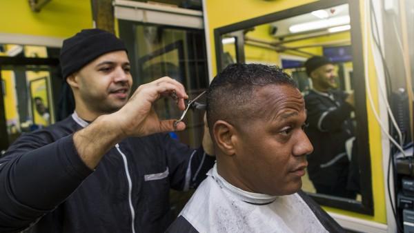 Friseursalons: ein neues Betätigungsfeld für Apotheker?