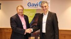 Dr. Seth Berkley, Vorstandsvorsitzender von Gavi, und Frank Appel, Vorstandschef der Deutsche Post DHL Group freuen sich, gemeinsam Gutes zu tun. (Foto: DHL)