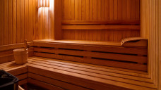 Auch Hobbies, wie Saunieren, müssen bei der Auswahl der Darreichungsform berücksichtigt werden. (Foto:gudenkoa / stock.adobe.com)