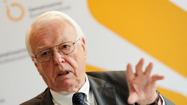 Entscheidende Verhandlungen für Apotheker: Rainer Hess, langjähriger Vorsitzender des G-BA, soll den Streit um die Retax-Regelung bringen. (Foto: dpa)