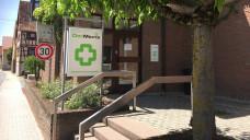 Streit um den Abgabeautomaten von DocMorris: In Hüffenhardt sind die beiden Bürgermeisterkandidaten Walter Neff und Armin Hagendorn unterschiedlicher Meinung was den Arzneimittel-Automaten betrifft. (Foto: diz)