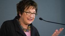 Dagegen: Bundeswirtschaftsministerin Brigitte Zypries (SPD) schreibt in einem Brief an eine Apothekerin, dass es den meisten Apothekern gut gehe und dass der Versandhandel nichts mit der Situation der Apotheker zu tun habe. (Foto: dpa)
