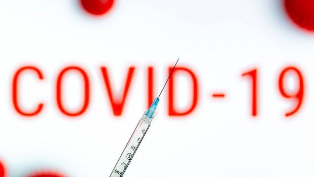 Verschiedene Impfstoffkandidaten befinden sich aktuell in der letzten Prüfphase, sodass möglicherweise noch in diesem Jahr Impfstoffe zugelassen werden. (rh / Foto: imago images / Hans Lucas)