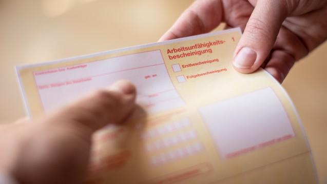 Ab 20. April muss für eine Arbeitsunfähigkeitsbescheinigung aufgrund leichter Atemwegsinfekte wieder ein Arzt konsultiert werden. (t/Foto:mpix-foto / stock.adobe.com)