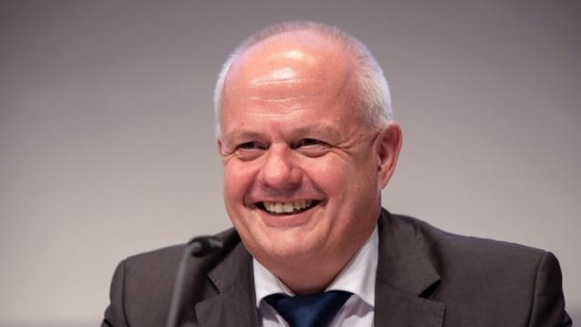 Andreas Kiefer, Präsident der Landesapothekerkammer Rheinland-Pfalz und der Bundesapothekerkammer, will im November nicht mehr für den Spitzenposten auf Bundesebene kandidieren. Dafür geht sein Kollege aus Bayern, Thomas Benkert, ins Rennen. (c / Foto: Schelbert)