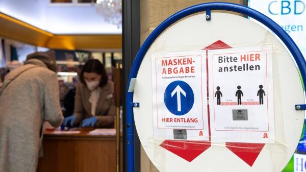 """Warum Apotheken punktuell die """"kostenlose"""" Maskenabgabe verweigern"""