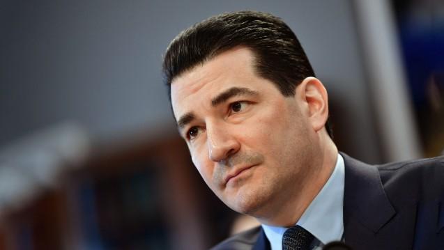 FDA-Chef Scott Gottlieb übt scharfe Kritik an den Praktiken von forschenden Pharmaunternehmen. (Foto:picture alliance / newscom)