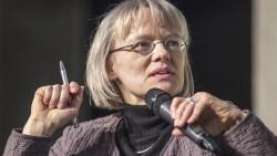 Die AOK-Versorgungsexpertin Dr. Sabine Richard erklärt gegenüber DAZ.online, dass große Teile von den Apotheken-Plänen des BMG aus ihrer Sicht juristisch nicht machbar sind. (Foto: DAZ)