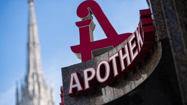 In Österreich will die Apothekerkammer die Regelungen zu Öffnungszeiten, Zustellungen und Filialapotheken liberalisieren. Die Bundeswettbewerbsbehörde begrüßt das. (r / Foto: Imago images / Eibner)