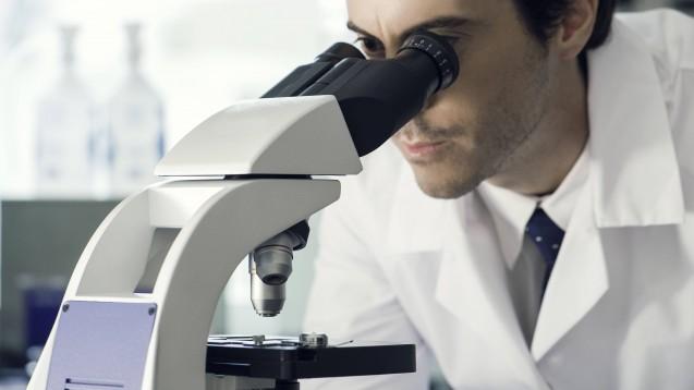 Forscher des Leibniz-Institutes für Polymerforschung in Dresden wurden mit dem Georg-Manecke-Preis ausgezeichnet, weil sie natürliche Wirkstoffe mittels Biosnythese gewinnen, ohne dabei Zellen zu benutzen. (c / Foto: imago images / PhotoAlto)