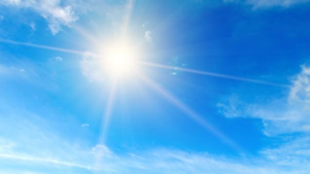 Die Sonne sendet Licht unterschiedlicher Wellenlänge aus, was machen die einzelnen Strahlen? (Foto:alinamd / stock.adobe.com)