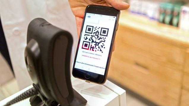 Das E-Rezept wird die Arbeitsabläufe in den Apotheken stark verändern. Die Treuhand Hannover gibt Tipps, wie sich die Betriebe und ihre Mitarbeiter darauf vorbereiten können. (Foto: imago images / epd)