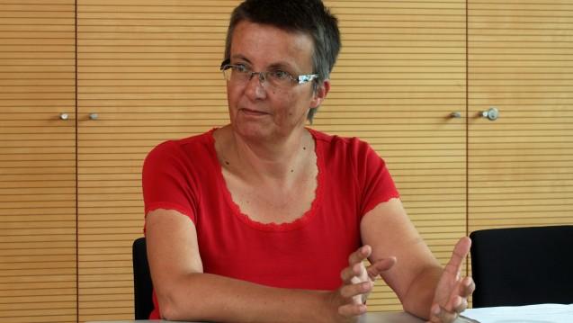 Linken-Politikerin Kathrin Vogler im Interview mit der DAZ in Berlin. (Foto: Sket)